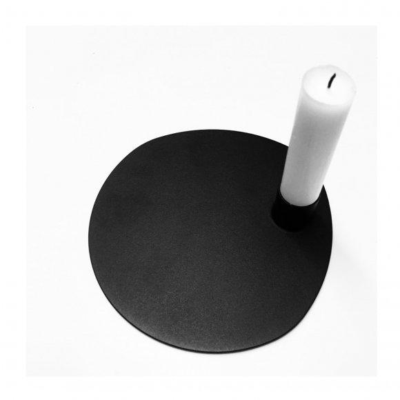 By Brorson - Klassisk sort metal lysestage fra By Brorson