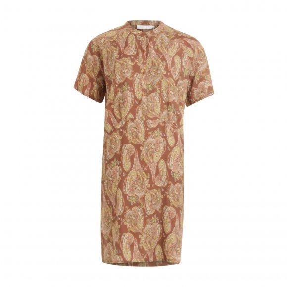 Coster Copenhagen - Dress w. short sleeves in paisley print fra Coster Copenhagen