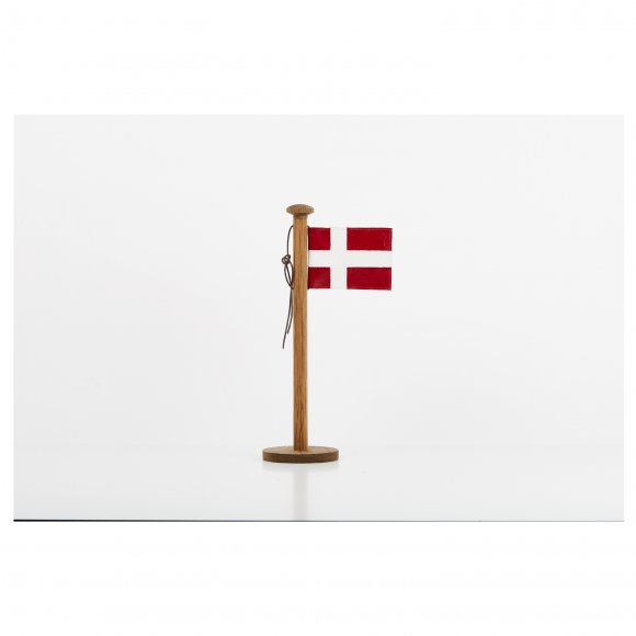 Nordic by hand - Lille bord flag h:33 cm fra Nordic By Hand